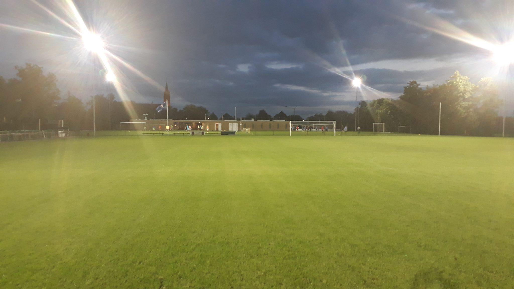 Verlichting op het B-veld !!!